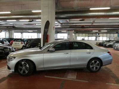 gebraucht Mercedes E220 ClasseCDI BlueEFFICIENCY Avantgarde del 2016 usata a Roma