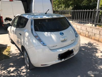 usata Nissan Leaf 24 kw auto elettrica