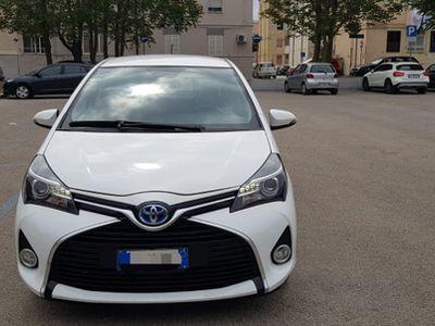 begagnad Toyota Yaris - 2013 HYBRID 75 CV