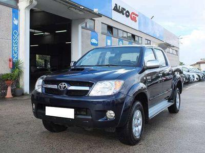 usata Toyota HiLux 3.0 D-4D Automatico 4WD 4p