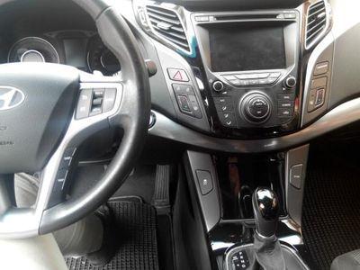 gebraucht Hyundai i40 Wagon 1.7 CRDi Aut. Style (i40 Wagon 1.7 CRDi Aut. Style)