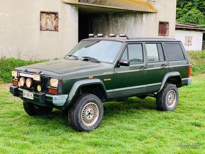 usado Jeep Cherokee 2.5 Diesel + gancio traino