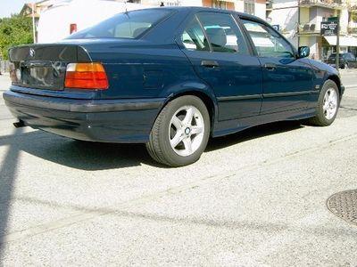 usata BMW 318 i cat 4 porte rif. 7788042