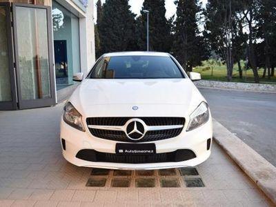 usata Mercedes A180 d Business NAVIGATORE BLUETOOTH TELECAMERA