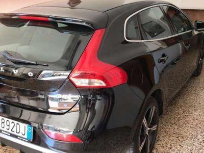 usata Volvo V40 D3 R-design Momentum uniprop. full