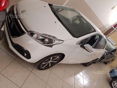 gebraucht Peugeot 208 1.2 e-VTi 82 CV Stop&Start ETG5 5 porte Allure