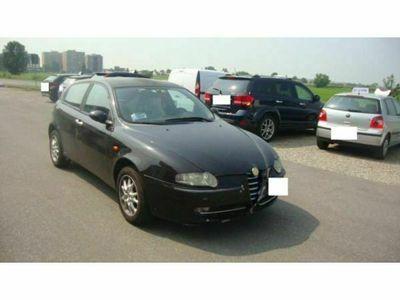 usata Alfa Romeo 147 1.9 JTD (115 CV) cat 5p. Distinctive