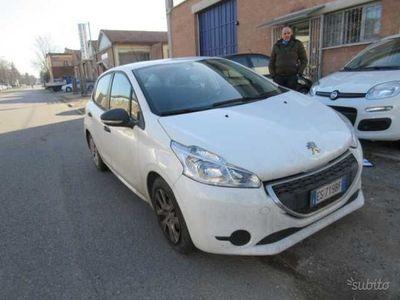 usado Peugeot 208 1.4 8V HDi 68CV 5p. Van Pack