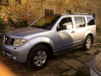used Nissan Pathfinder LE