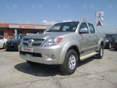 usata Toyota HiLux Pick-up 3.0 D-4D aut.4WD 4p. Double Cab SR del 2007 usata a L'Aquila