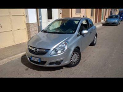 used Opel Corsavan autocarro