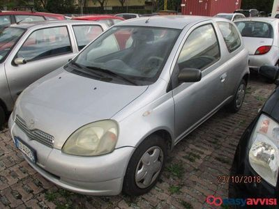 usata Toyota Yaris 1.4 tdi d-4d cat 3 porte sol diesel