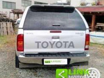usata Toyota HiLux 3.0 Automatica 4x4