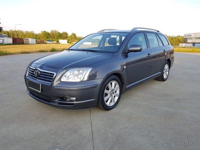 used Toyota Avensis 2.0 D-4D 16V Station Wagon