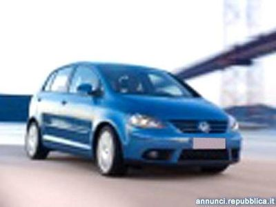 usata VW Golf 2.0 16V TDI Sportline Cava de' Tirreni