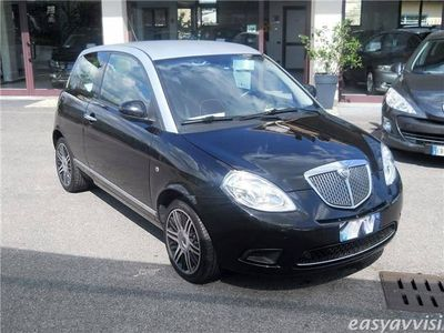 usata Lancia Ypsilon 1.2 69 CV Elle *OK Neopatentati