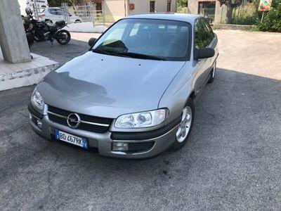 usata Opel Omega 2.0i 16V cat Class