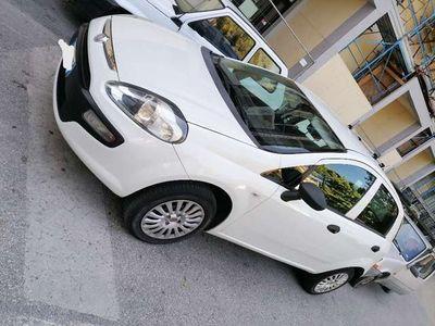 usata Fiat Grande Punto 1.4 5 porte Active Natural
