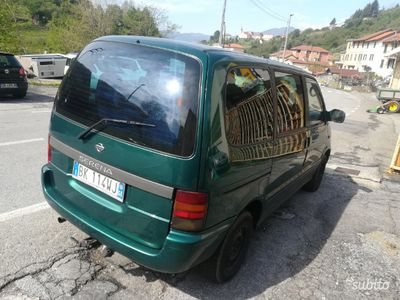 used Nissan Serena 8 posti /gancio traino