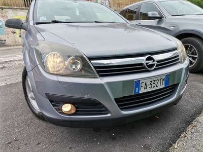 usata Opel Astra 6 benzina 2006