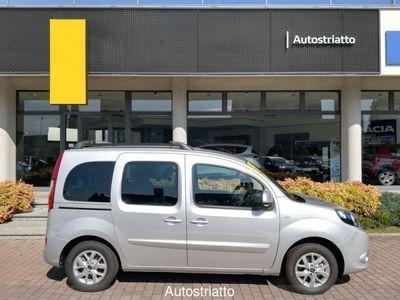 usata Renault 20 Domenica 20 APERTI - *Tua da 199,00 euro al mese* - Blue dCi 95 CV 5 porte Limited2 DomenicaAPERTI - *Tua da 199,00 euro al mese* - Blue dCi 95 CV 5 porte Limited2