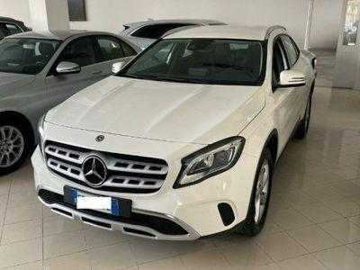 usata Mercedes GLA180 D SPORT FARI LED NAVI IVA ESPOSTA GAR CERTIFIED