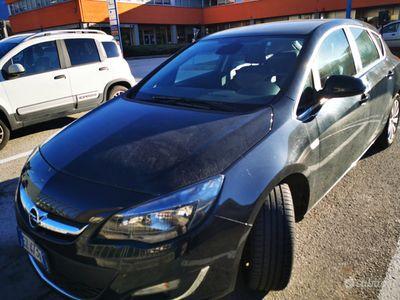 usata Opel Astra 1.4 turbo gpl