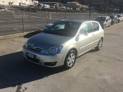 używany Toyota Corolla (2004) - 2005