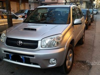 brugt Toyota RAV4 2.0 Tdi D-4D cat 5 porte Luxsury.pel