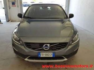 usata Volvo V60 CC D3 Geartronic Plus Euro 6B Diesel
