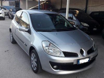 usata Renault Clio 1.2 benzina tagliandata le iene 2008