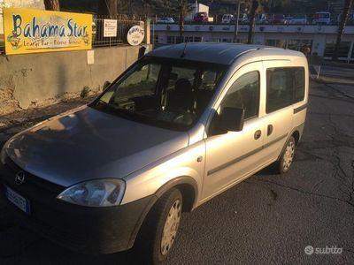 usata Opel Combo 1.3 cdti con gancio traino