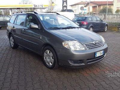 usata Toyota Corolla (2004)