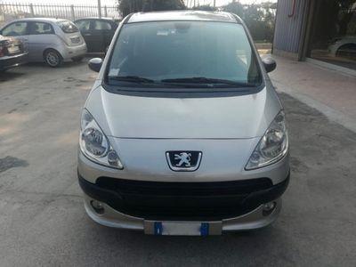 """usata Peugeot 1007 1.4 HDi Freddy """"ADATTA NEOPATENTATI"""""""
