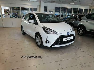 usata Toyota Yaris Hybrid 1.5 (61 cv) 5 porte Business