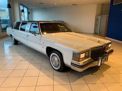 usata Cadillac Escalade Fleetwood limousine