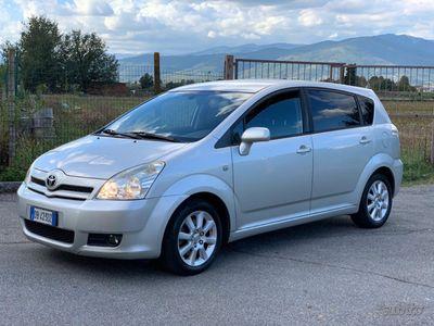 usata Toyota Corolla Verso 2.2 D 7 POSTI 136cv