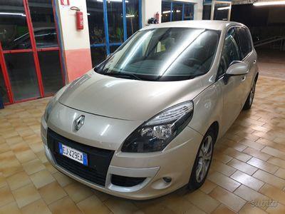 usata Renault Scénic 1.5 dci automatica