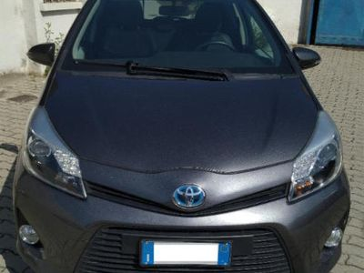 gebraucht Toyota Yaris Hybrid UNLIMITED SOLO 28.000KM