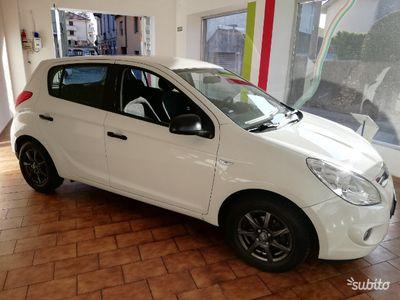 käytetty Hyundai i20 euro 5 benzina