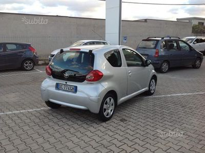 usata Toyota Aygo 1.0 12V VVT-i 3 porte Deep Ocean Connect del 2006 usata a Palermo