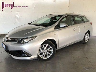 usata Toyota Auris Touring Sports 1.8 Hybrid Business