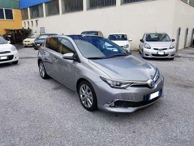 usata Toyota Auris 1.8 Hybrid Lounge del 2015 usata a Quiliano