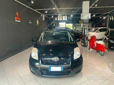 usata Toyota Yaris - 2010 1,0 benz 5p