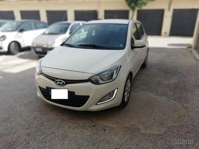 used Hyundai i20 Comfort 1.4 CRDI 90cv-2012- navigatore