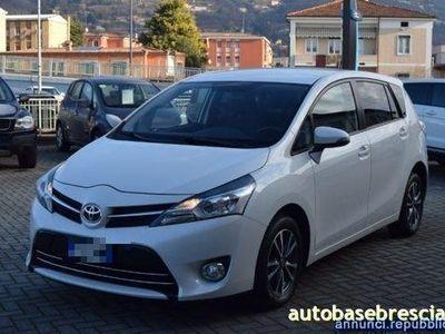 brugt Toyota Avensis Verso 1.6 D-4D Active 7 posti Brescia