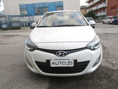 gebraucht Hyundai i20 1.2 5p. Classic - Neopatentati