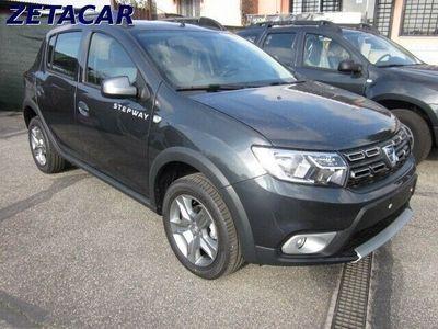 usata Dacia Sandero stepway 1.5 dci 90cv nuove da immatricolare