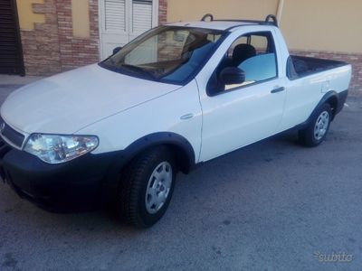 begagnad Fiat Strada 1.3 Multijet 85 cv tagliandata