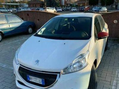 usata Peugeot 208 1.4 HDi 68 CV 5 porte Access